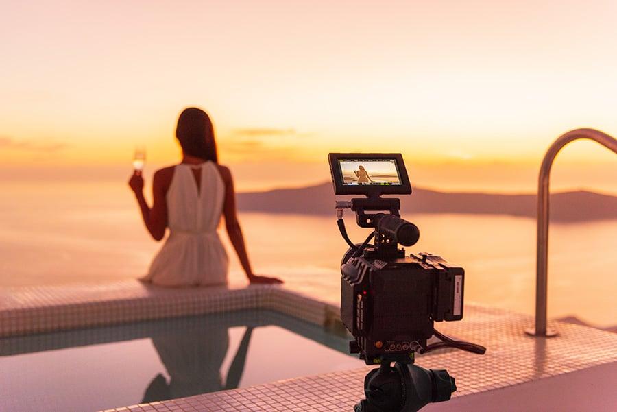 Luxe : pourquoi faire des vidéos multilingues promotionnelles ou corporate ?